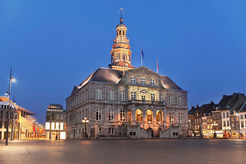 Maastricht_City-Hall.jpg